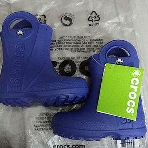"""Crocs """"Handle it rain boots"""" Cerulean Blue Size 7t"""